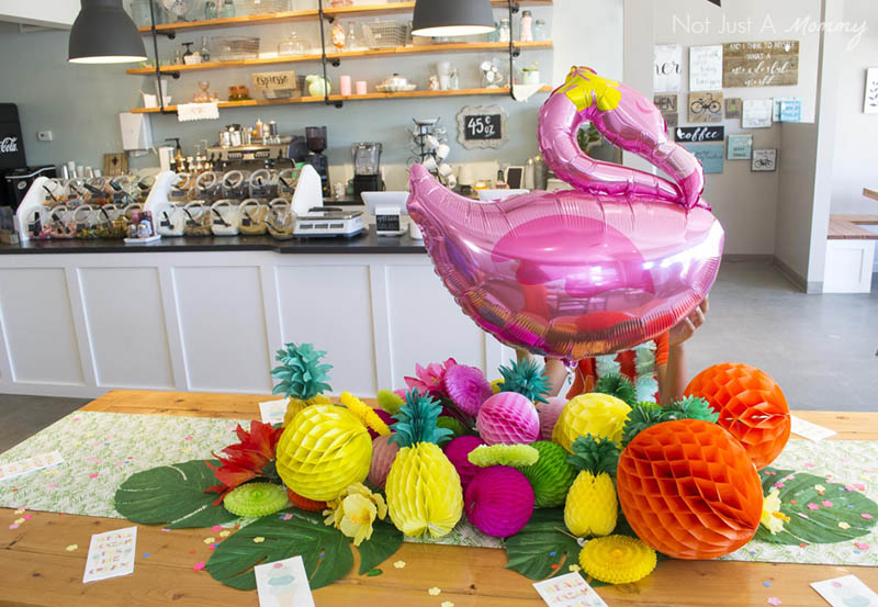 Aloha To Summer Fro-Yo Party table