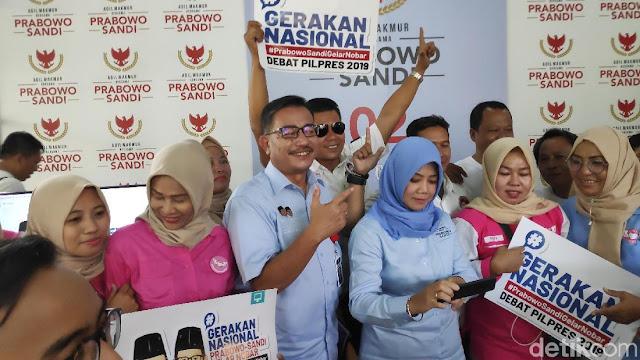 Saat Eks Menteri Kabinet Kerja Nyanyi Jangan Lagi Pilih Jokowi