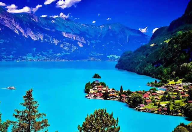 Lake Brienz - Bernese Oberland, Switzerland