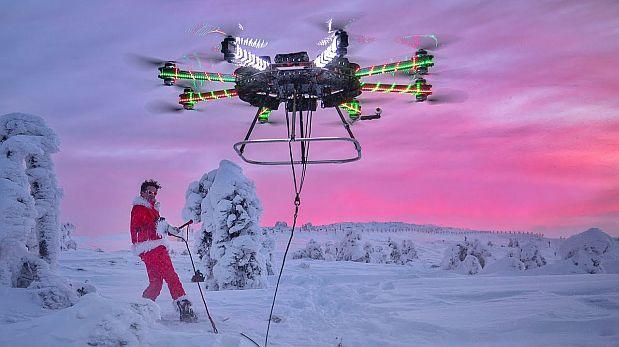 Un dron navideño hizo volar a Papá Noel y se volvió viral en YouTube