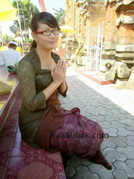 Balinese girl, beautiful and graceful