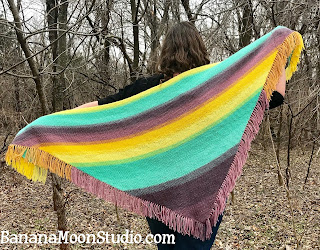 Easy, free knit shawl pattern by April Garwood of Banana Moon Studio