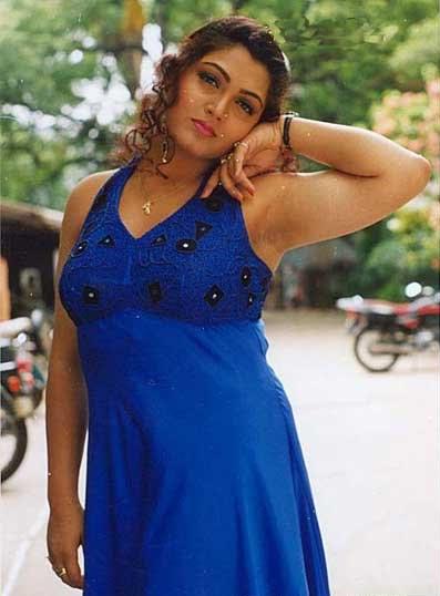 actress kushboo hot pics