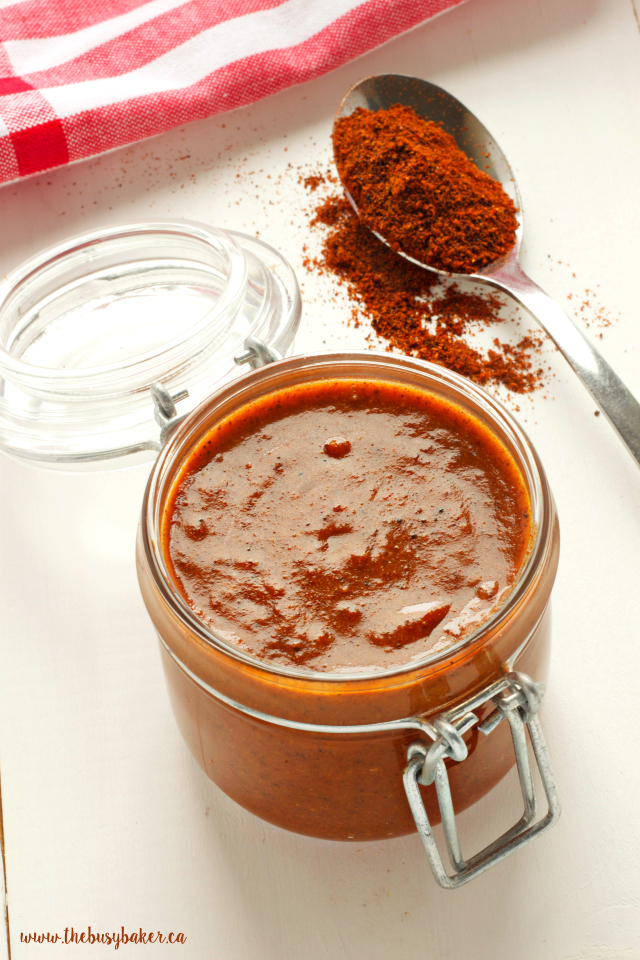 This Easy Homemade Mexican Enchilada Sauce is so easy to make with basic pantry staples! Recipe by www.thebusybaker.ca