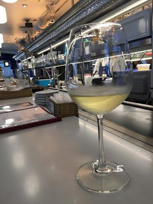 鉄板料理とシャンパーニュワインのお店 赤白