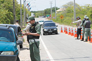 Motoristas do Ceará poderão ter 40% de desconto nas multas; entenda