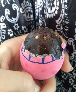 century eggs, stuletnie jaja, stuletnie jajka, chiny jajka, co zjeść w chinach, co zjeść w azji, różowe jajka, czarne jajka