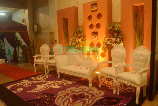 dekorasi wedding pelaminan minimalis