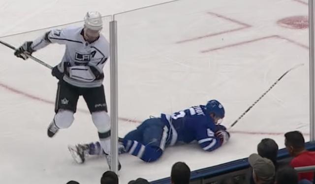 LA Kings center Jeff Carter destroys Toronto Maple Leafs center Alexander Kerfoot with open-ice hit 11/5/2019