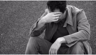 Συγκλονίζει ο άνεργος πατέρας 2 παιδιών: «Είμαστε σε απόγνωση, καταρρέω…»