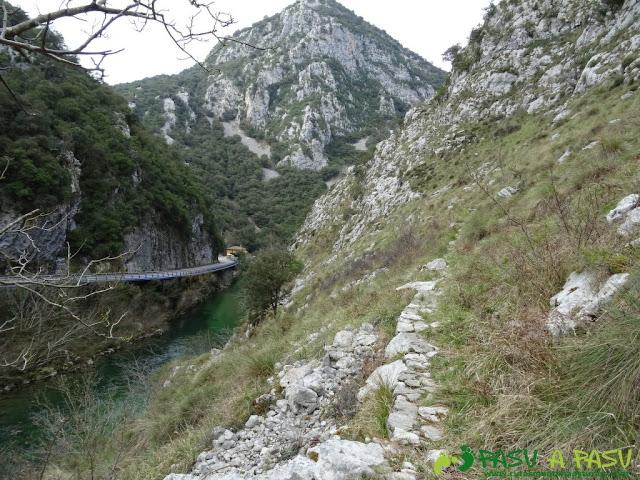 Ruta a la Pica de Peñamellera: Bajando por el Cares a Niserias
