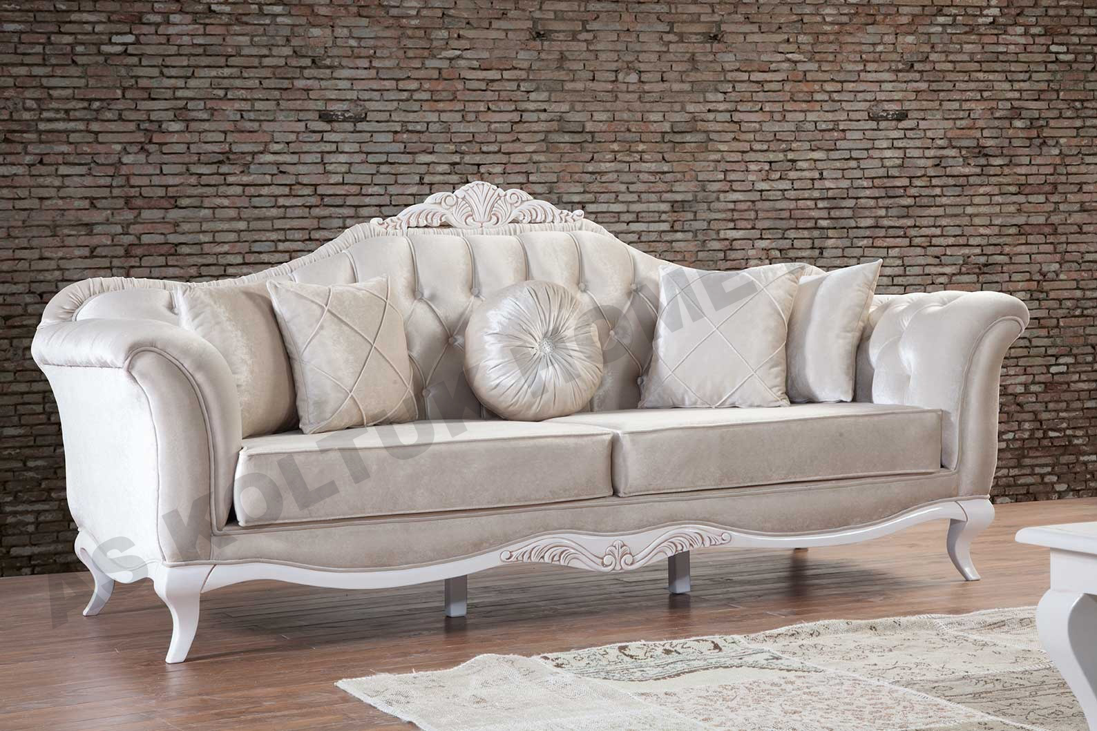 For Sale Brand New Elegant Broken White Sofa Set With Classic Design And  White Wood Legs Made In Turkey With High Quality Materials.