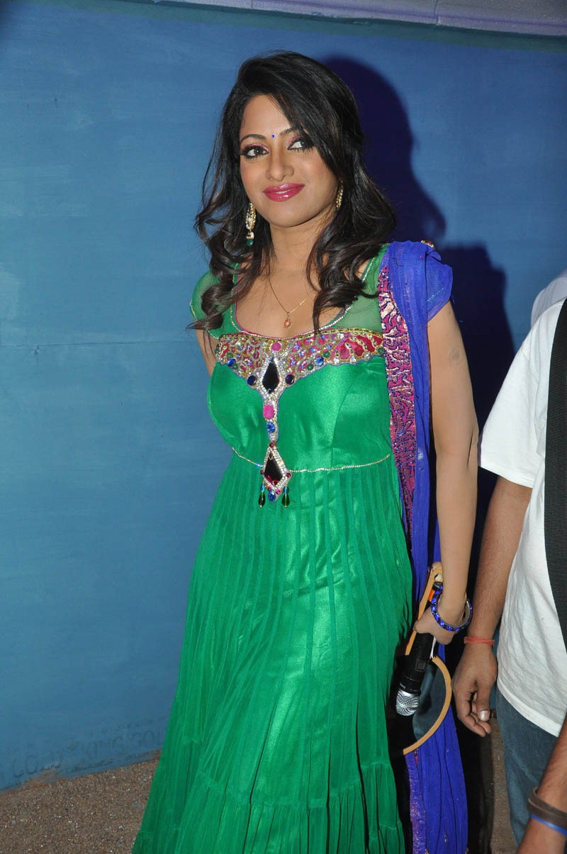 gogeous and heavenly Udaya bhanu in green salwar at mirchi audio launch
