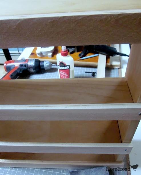 How to make a wall shelf for a bathroom. Homeroad.net