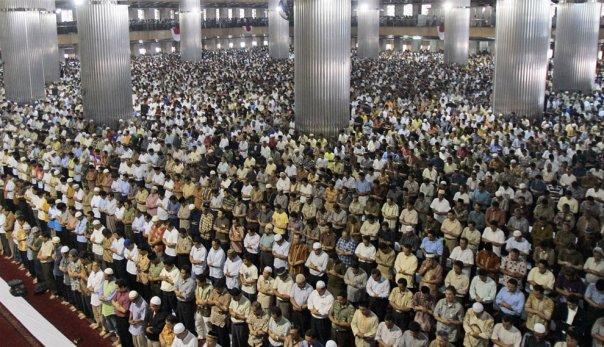FATWA RAMADHAN 7: Shalat Tarawih Bersama Imam Sampai Selesai