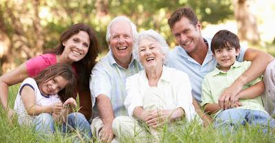 Pasa tiempo con familia y amigos