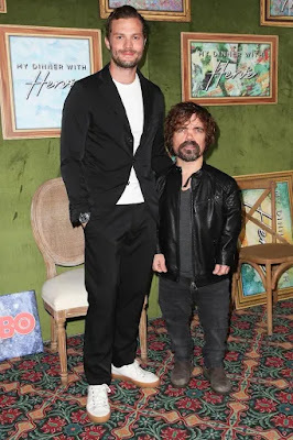 Game of Thrones star, Daniel Dinklage gives a helping hand!
