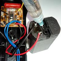 Memperbaiki Baterai Senter Atau Lampu Cas Yang Menyala Redup