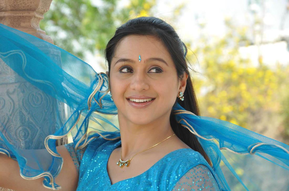 Telugu actress Devayani latest Gorgeous Photos Gallery