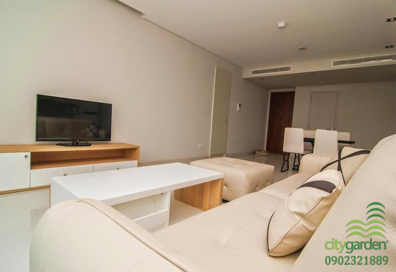 sofa và tivi lcd cao cấp tại căn hộ City Garden