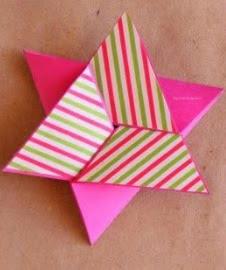 http://www.home-kids.com/2014/11/diy-scrapbook-tarjeta-en-forma-de.html