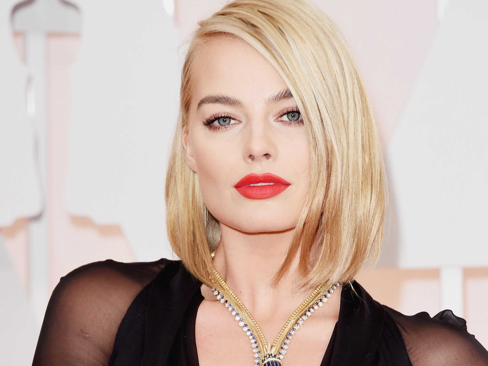 Anastasia Baranova Peliculas margot robbie in talks to join goodbye christopher robin