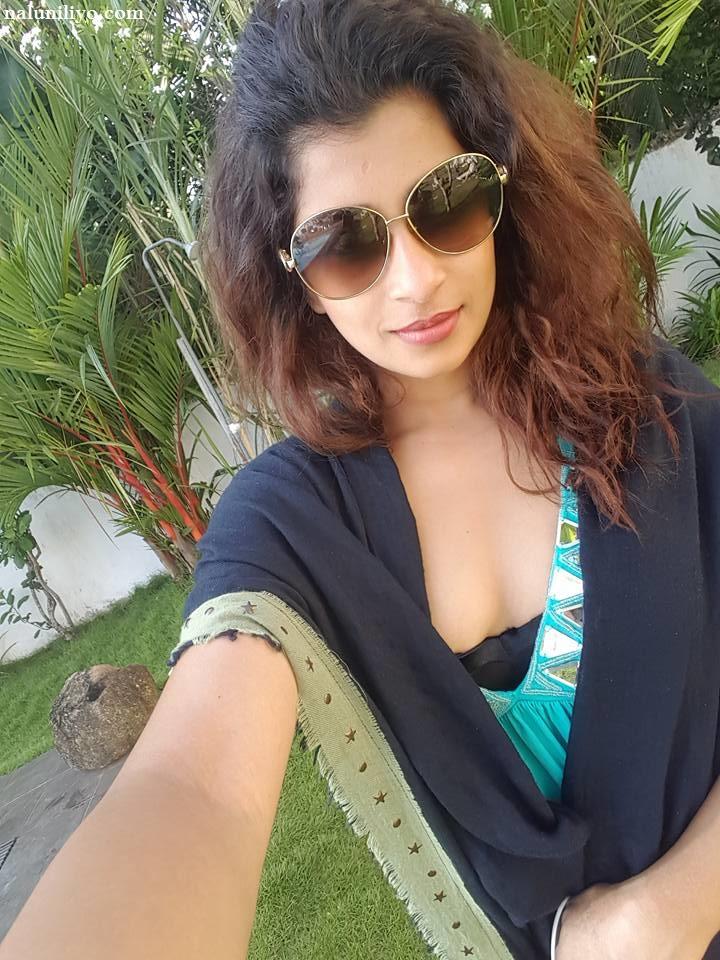 Nadeesha selfies hot