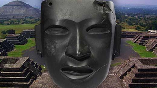 Búsqueda de tumba en Pirámide Mexicana resulta en el hallazgo de extrañas estatuas