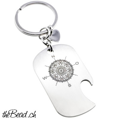 Gravur Schlüsselanhänger mit Kompass und Mandala in einem