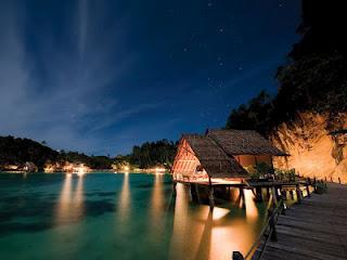 Wisata Raja Ampat : Pulau Waigeo, Misool, Salawati, Batanta dan Objek Selain Menyelam