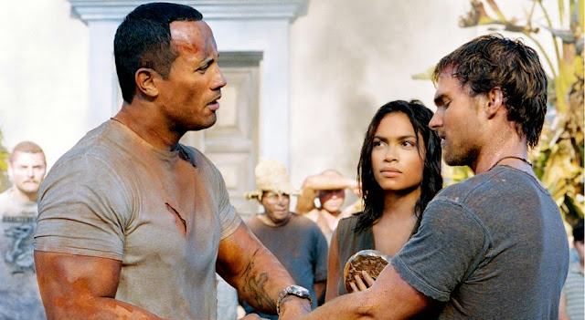 Rosario Dawson, Dwayne Johnson şi Seann William Scott în The Rundown (2003)