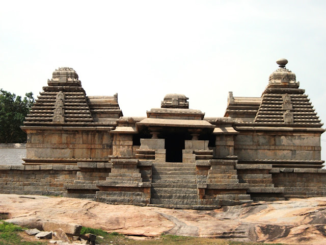 Hemakunta hills - Ancient Indian temple architecture -Hampi Pick, Pack, Go
