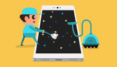 Reparación de móviles limpiando