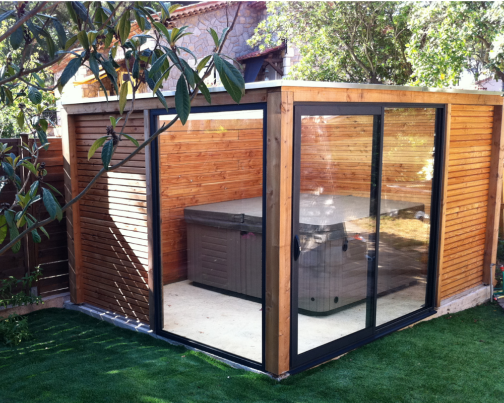 abris pour spa exterieur maison design. Black Bedroom Furniture Sets. Home Design Ideas