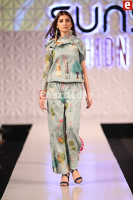 So-kamal-collection-2017-at-pfdc-sunsilk-fashion-week-10