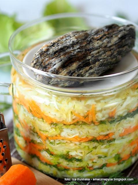 kiszonki, warzywa, surowka, dodatek do obiadu, domowe przetwory, spizarnia, zrob to w domu, kiszenie, kapustka, suroweczka