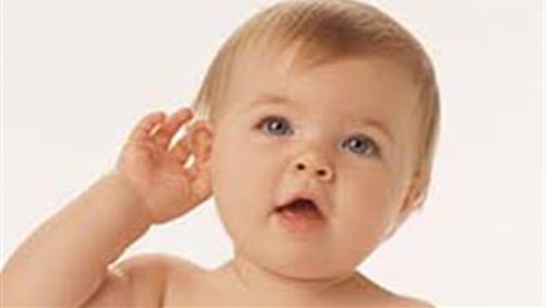 ضعاف السمع وزارعي القوقعة