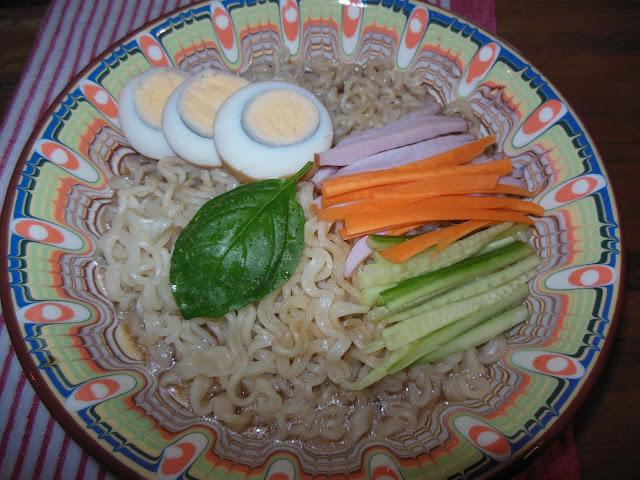 Варени яйца в соев сос