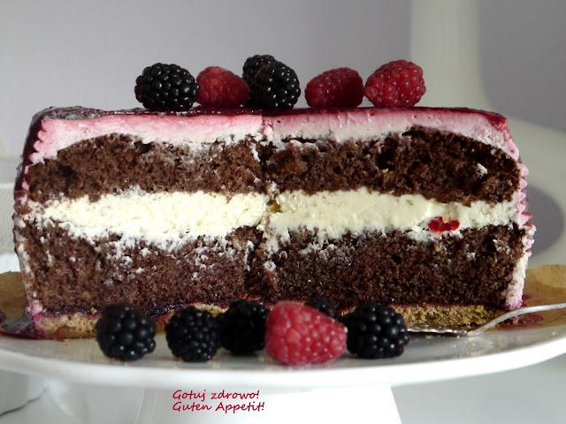 Tort czekoladowy z jeżynami i glazurą jeżynową  - Czytaj więcej »
