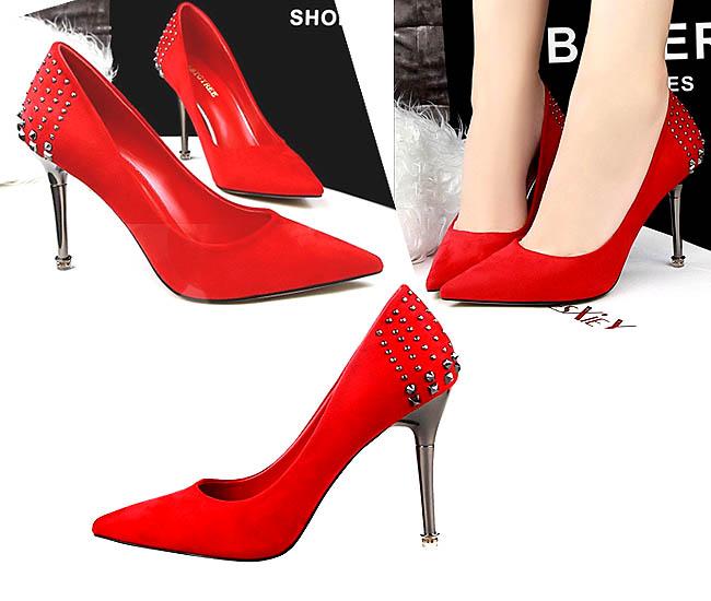 ornamen-cantik-sepatu-hak-tinggi-gaya-korea