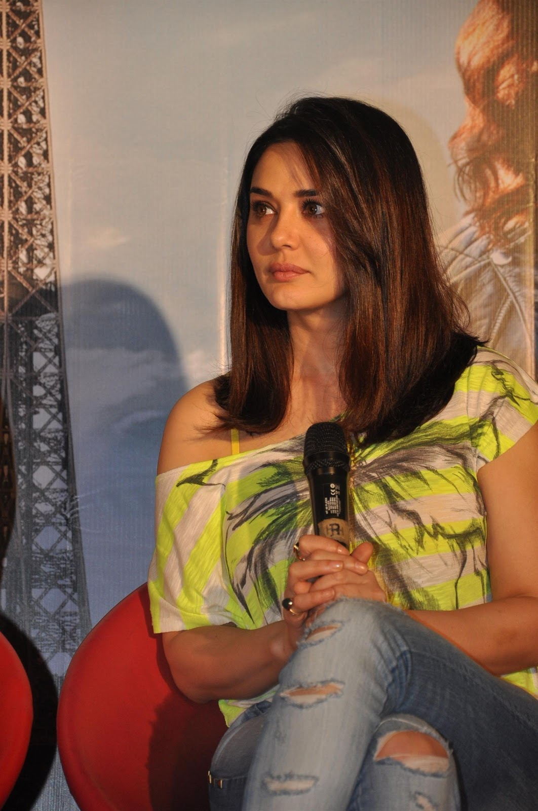 High Quality Bollywood Celebrity Pictures Preity Zinta -9591