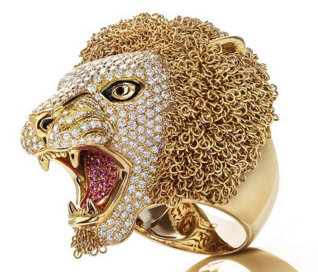 Gold Lion Head Ring by Roberto Coin Jewelry Designer