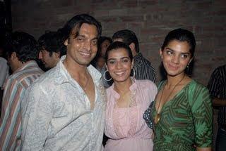 Sohaib Akhtar With Fans