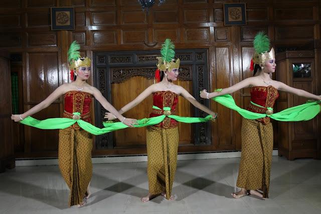 Tari Gamyong Jawa Tengah