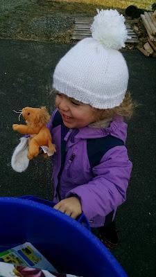 toddler hat & mittens
