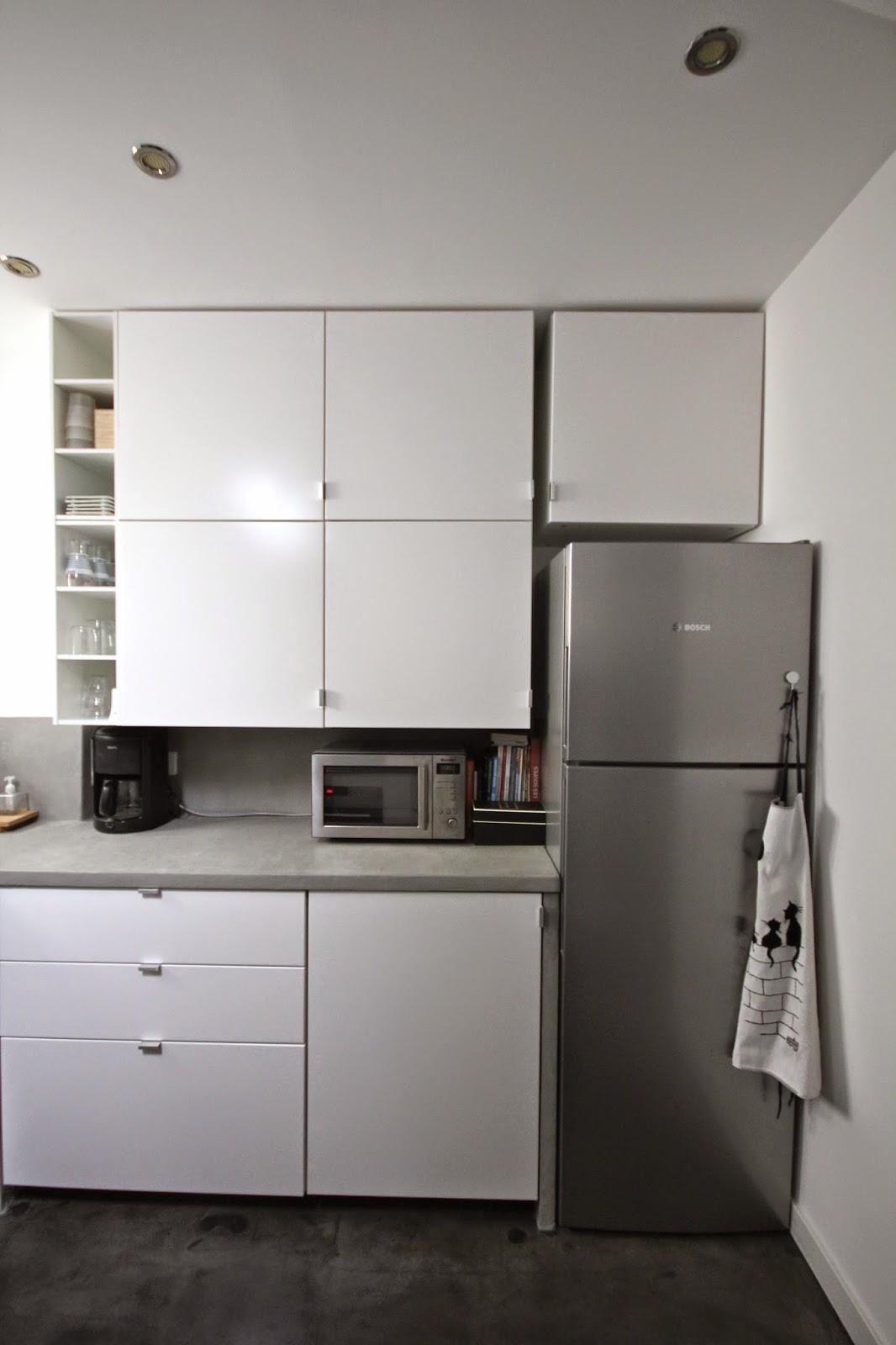 faire chanter les murs plan de travail et cr dence d 39 une cuisine en b ton cir en. Black Bedroom Furniture Sets. Home Design Ideas