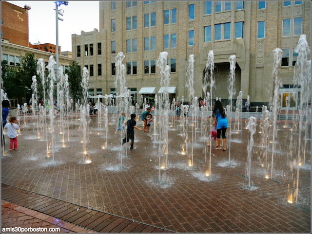 Fuente en Sundance Square, Fort Worth