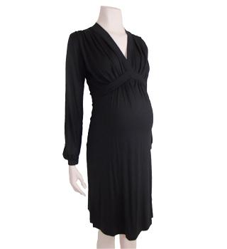 d7a947acc6a6 Så er der endnu en sort kjole. Denne er fra Mama Licious til 399