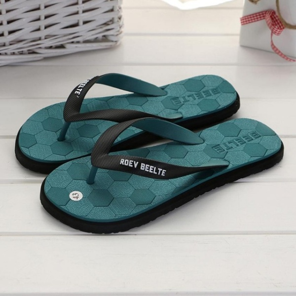 Men Fashion Outdoors Flat Heel Round Toe Flip Flops Slipper Beach Shoes