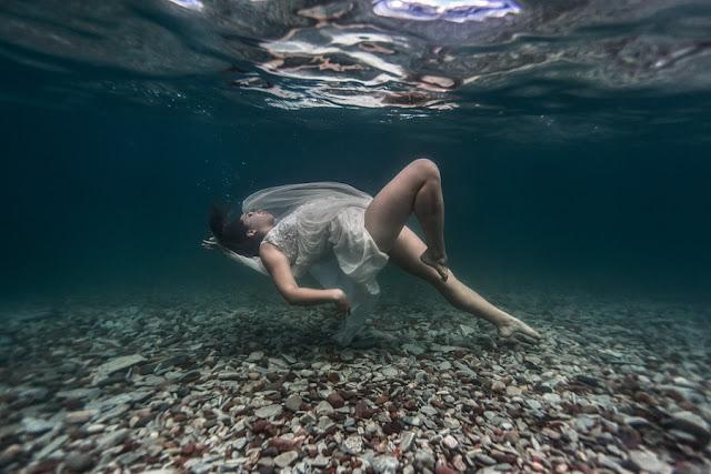 Tips Meotret Foto Underwater